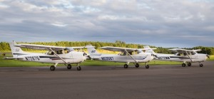 3 Cessna 172s